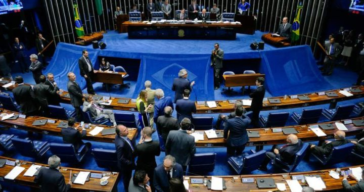 Senado aprova texto-base de projeto que aumenta multa para quem desiste de imóvel na planta