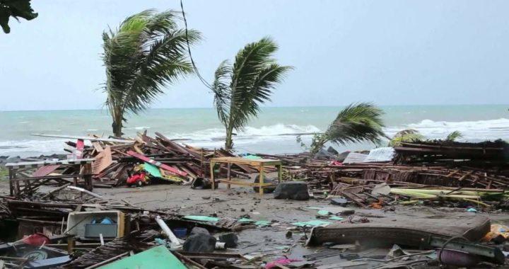Chuvas isolam vilarejos atingidos por tsunami na Indonésia